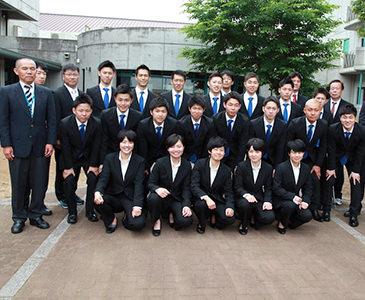 卒業式後集合写真